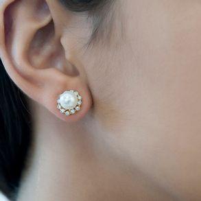joias-brinco-semi-joia-flor-banhado-ouro-18k-com-perola-mini-zirconias-cristal
