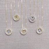 colar-de-letras-pequeno-redondo-cravejado-com-zirconias-cristal-banhado-em-ouro-18k