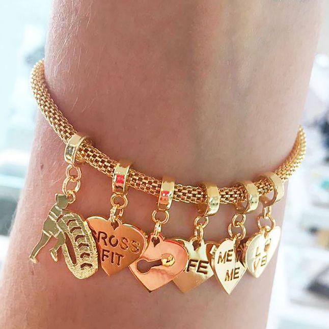 pulseira-feminina-personalizada-com-pingentes-de-crossfit-banhado-em-ouro-18k
