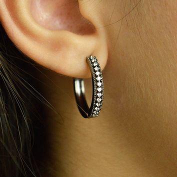 brinco-argola-cravejado-com-zirconias-cristal-banhado-em-rodio-negro