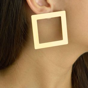 Brinco-quadrado-karola-banhado-em-ouro-18k