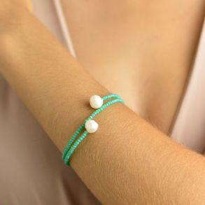 pulseira-mola-azul-turquesa-com-perola-shell-2