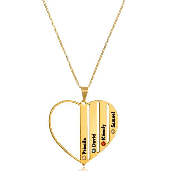 colar-coracao-vazado-com-nomes-em-resina-e-cristais-coloridos-banhado-em-ouro-18k