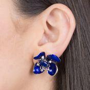brinco-de-flor-esmaltado-em-azul-com-zirconias-de-cristal-banhado-em-rodio