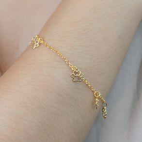 pulseira-com-pingentes-de-patinha-de-cachorro-banhado-em-ouro-18k