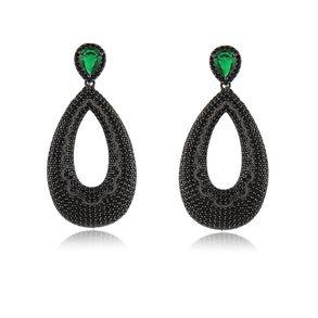 brinco-luxo-com-gota-vazada-cravejado-com-micro-zirconias-black-e-pedra-verde-esmeralda-banhado-em-rodio-negro