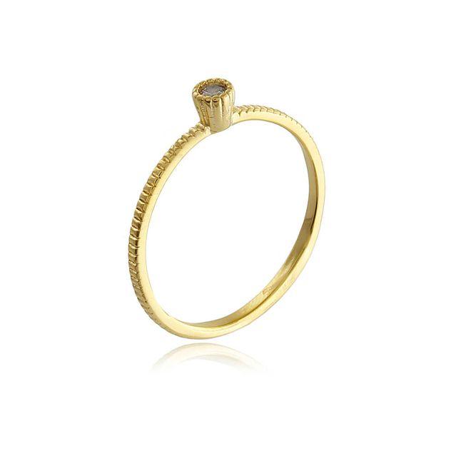 anel-solitario-com-detalhes-e-zirconia-cristal-banhado-em-ouro-18k