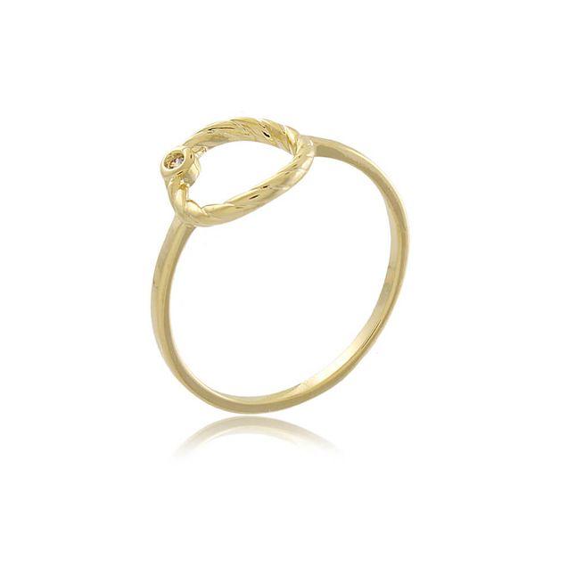 anel-delicado-com-circulo-trabalhado-e-uma-zirconia-em-banho-de-ouro-18k
