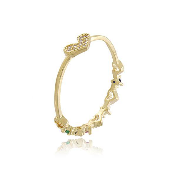 anel-meia-alianca-com-coracoes-vazados-e-zirconias-coloridas-no-verso-um-coracao-todo-cravejado-com-zirconias-cristal