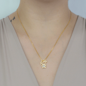 Colar-Com-Pingente-Menina-Cravejado-Com-Zirconias-Cristais-Em-Banho-de-Ouro-18K
