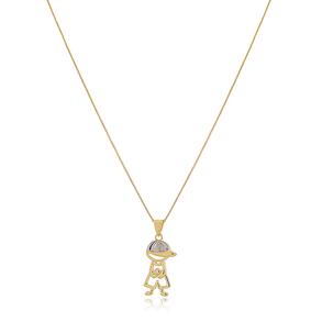 Colar-Com-Pingente-Menino-Vazado-Com-Bone-E-Uma-Zirconia-Cristal-Em-Banho-de-Ouro-18K